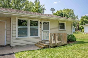 509 Roby Rd, Stoughton, WI 53589-1333