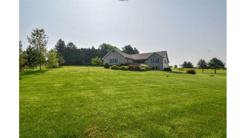 W8671 Michel Ln Waterloo, WI 53594 by Shorewest Realtors $380,000