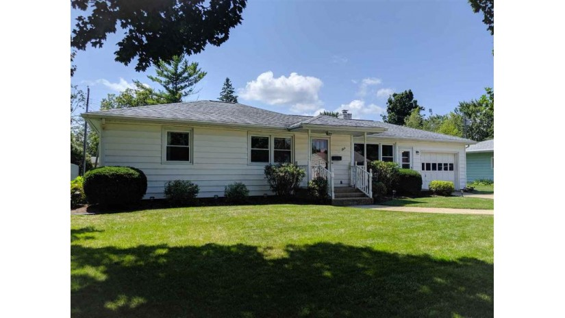 2614 14th St Monroe, WI 53566 by Realty Executives Cooper Spransy $134,900