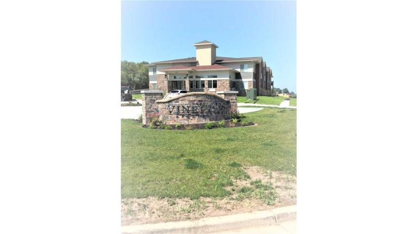 708 Vineyard Dr Cambridge, WI 53523-0000 by Exclusive Real Estate Group, Inc. $360,000