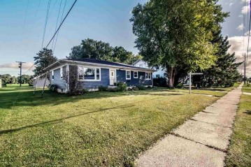 460 E Main St, Evansville, WI 53536