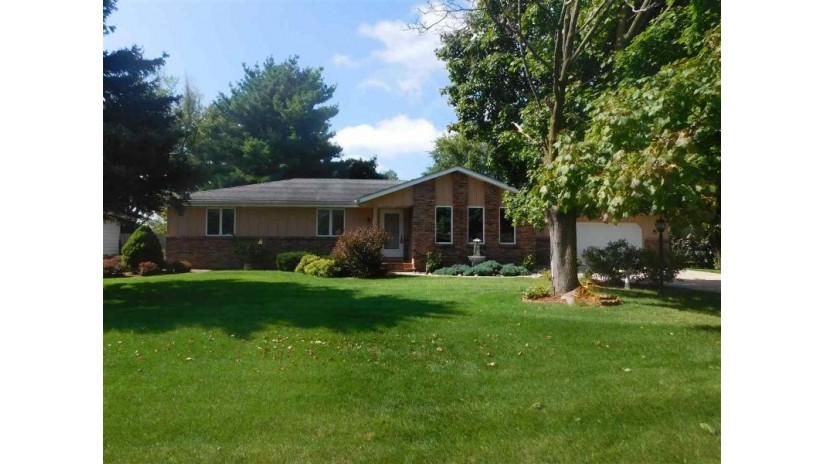 3416 Greenwood Dr Janesville, WI 53546 by First Weber Inc $219,900