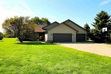 4703 N Laura Dr, Janesville, WI 53548