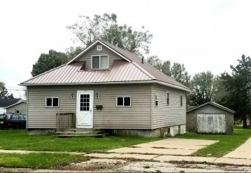 1100 W Maple St, Lancaster, WI 53813
