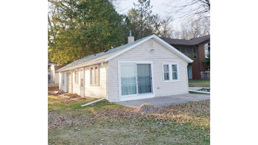 N5970 Lake Dr Wescott, WI 54166-3946 by Emmer Real Estate Group $179,900