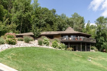 W5508 Eagle Point Dr, Shelby, WI 54601-2481