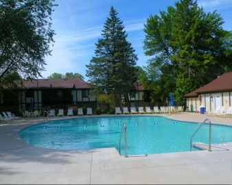 28 Driftwood Ct D, Williams Bay, WI 53191-9638