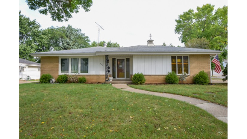 6206 W Warnimont Ave Milwaukee, WI 53220-1323 by Shorewest Realtors $188,000