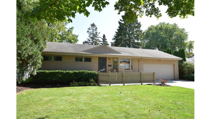 1044 3rd Ave Grafton, WI 53024-1708 by Shorewest Realtors $234,900