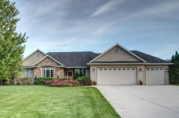 2833 Whispering Winds Dr, Wilson, WI 53081