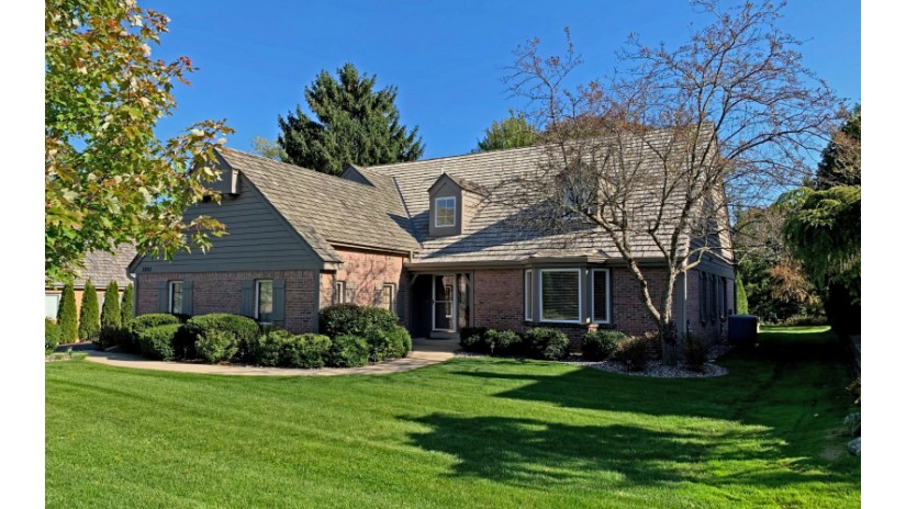3803 W Fairway Heights Dr Mequon, WI 53092-2269 by Shorewest Realtors $499,000