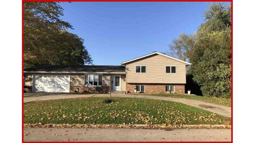 817 W Milwaukee St Jefferson, WI 53549-1437 by RE/MAX Community Realty $222,400