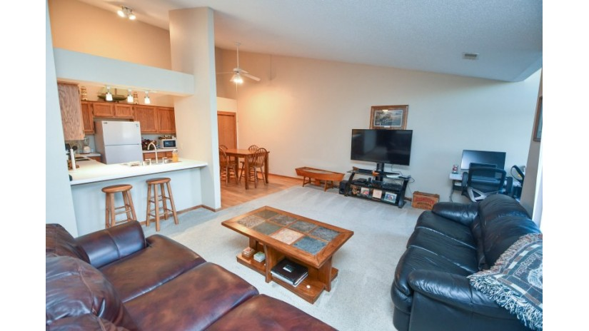739 Quinlan Dr E Pewaukee, WI 53072-1863 by Shorewest Realtors $174,900