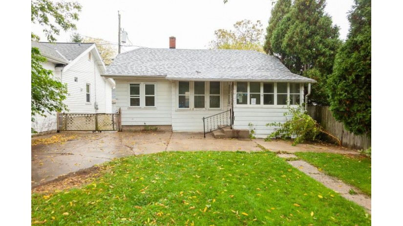 4655 N Ironwood Ln Glendale, WI 53209-6522 by Coldwell Banker Realty $75,240