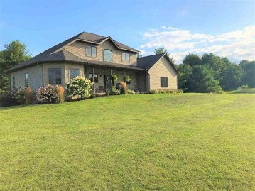 975 N Grouse Ln, Wisconsin Dells, WI 53965