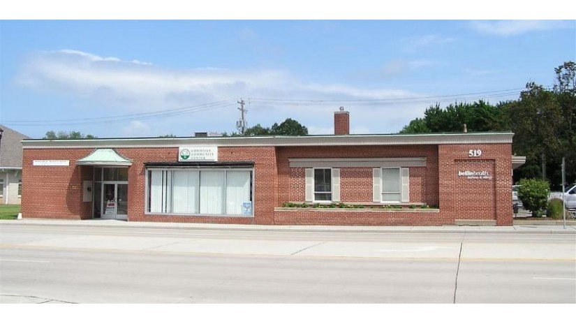 515 S Monroe Avenue Green Bay, WI 54301-4017 by Mark D Olejniczak Realty, Inc. $589,900