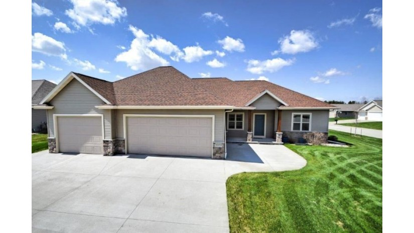 4553 N STAR POINT Lane Grand Chute, WI 54913-6421 by RE/MAX 24/7 Real Estate, LLC $374,900