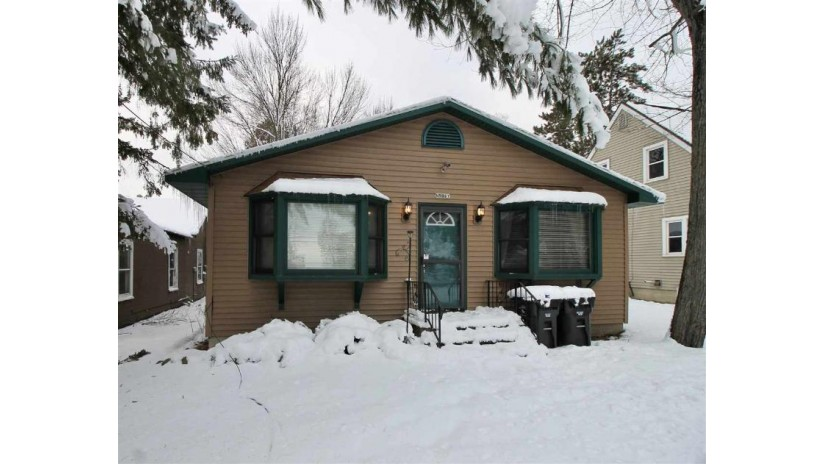 N5967 LAKE Drive Wescott, WI 54166 by Century 21 Affiliated $79,900