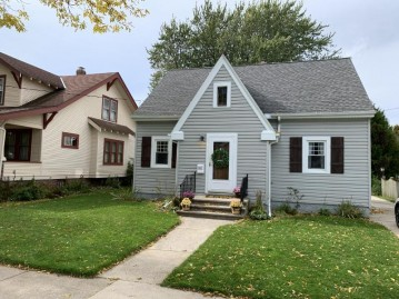 2612 School St, Two Rivers, WI 54241