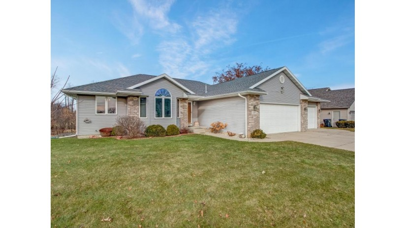 119 Lazy Lake Dr Fall River, WI 53932 by Kathleen Hansen & Associates. LLC $269,900