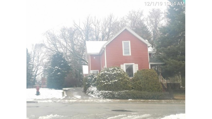 720 Fredonia Ave Fredonia, WI 53021 by Coldwell Banker Realty $104,899