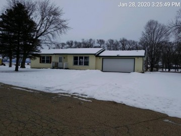 831 Goodman Ct E, Sparta, WI 54656-1010