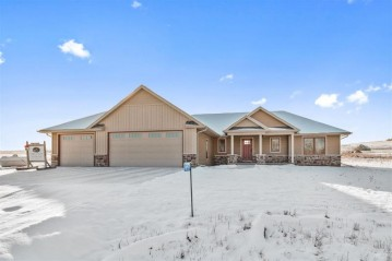 W7535 Cross Country Lane, Ellington, WI 54944