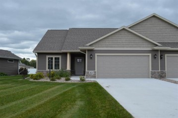 803 Mahogany Circle, Lawrence, WI 54115