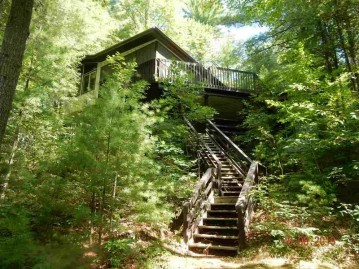 W2390 Lamotte Lake Road, Menominee, WI 54135
