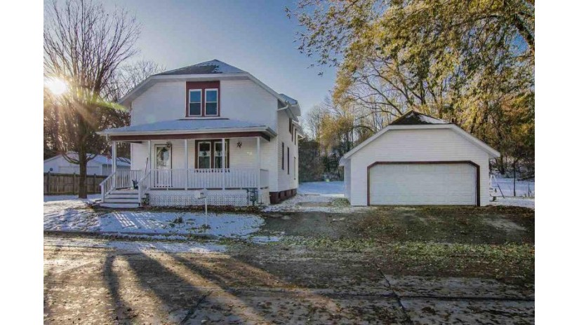 402 N 44th Street Manitowoc, WI 54922-0000 by Real Living Bay Realtors, Inc. $145,000