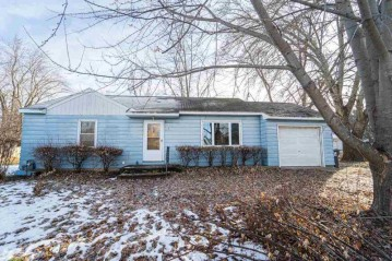 105 N 4th Avenue, Winneconne, WI 54986-9721