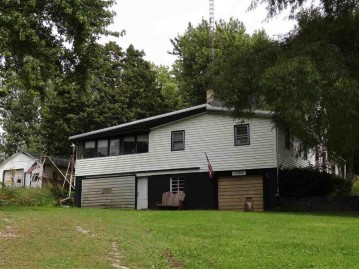 17012 Prospect St, Willow Springs, WI 53565
