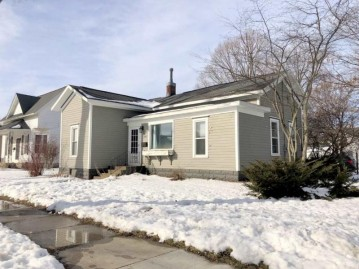 204 W Liberty St, Evansville, WI 53536