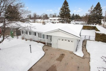2502 37th St, Two Rivers, WI 54241-1415