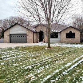 251 Willow Creek Road, Rosendale, WI 54974