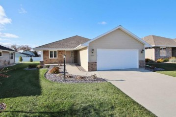 2207 Mahogany Trail, Lawrence, WI 54115-1845
