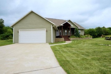 720 Orchard View Dr, Evansville, WI 53536