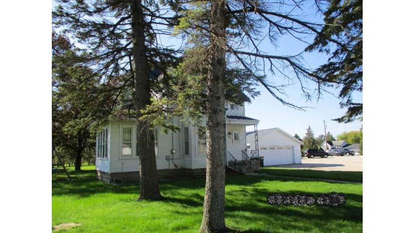 207 E Main Street Eden, WI 53019 by REALHOME Services and Solutions, Inc. $62,250