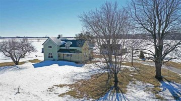 E9041 Elmdale Road, Bear Creek, WI 54929-9730