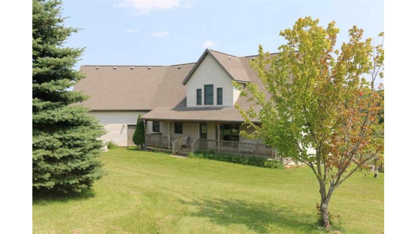 N4395 County Road Cd Fountain Prairie, WI 53932 by First Weber Inc $575,000