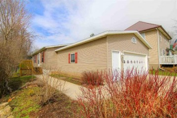 11008 Brigham Ave, Blue Mounds, WI 53517