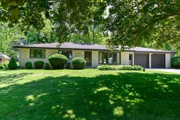 20485 W Forest View Dr,Lannon,WI 53046-9711