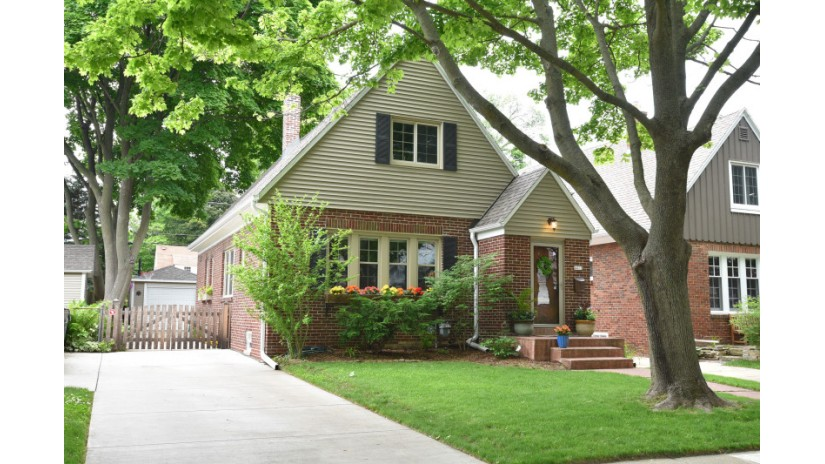 4411 N Woodburn St Shorewood, WI 53211-1554 by Shorewest Realtors $389,900