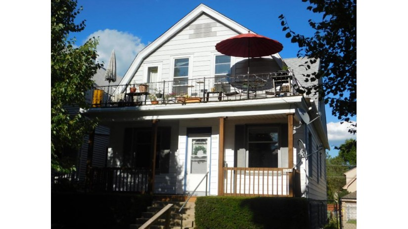 3156 S Adams Ave 3156A Milwaukee, WI 53207-2704 by First Weber Inc - Brookfield $274,900