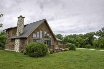 16745 Pond View Ln, Willow Springs, WI 53565