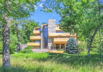 W4443 N Lake Shore Dr, Linn, WI 53147-3929