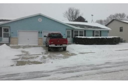 311 6th St B, Monroe, WI 53566