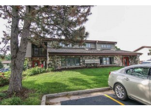 517 W North St Deforest, WI 53532