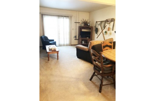 N10350 Howard Dr 4, Fox Lake, WI 53933