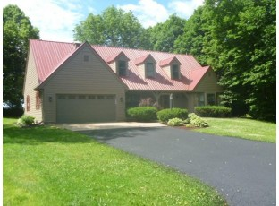 629 Hanks Hollow Tr Deforest, WI 53532